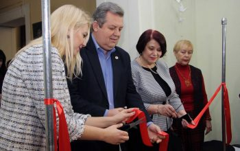 В Донецке открылась выставка «Белые журавли» (фото + видео) (4)